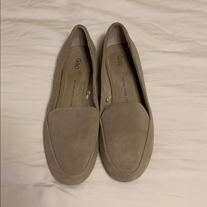 GAP Light Gray Suede Driver Loafer- Size 7
